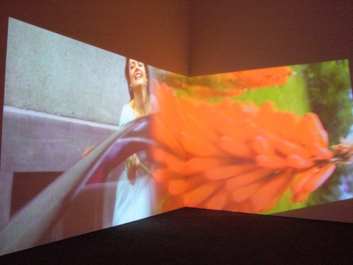 Pipilotti Rist, Ever Is Over All, 1997 r. / fot. Noel Hidalgo