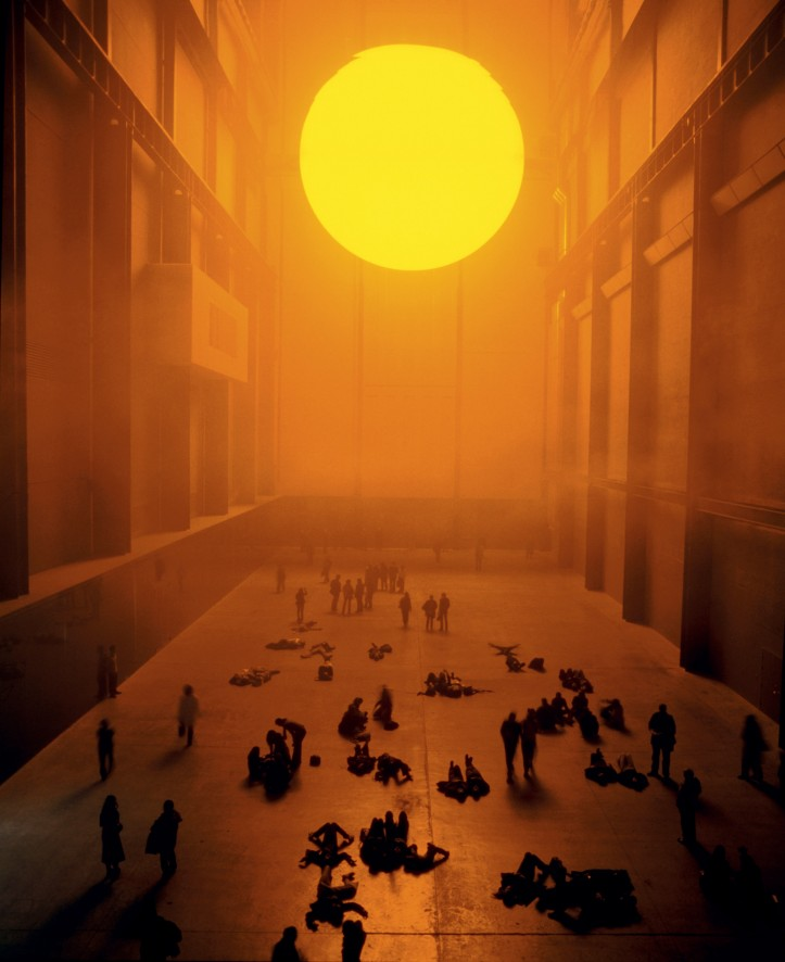 """The weather project"", instalacja, Tate Modern, Londyn, 2003; zdjęcie: Tate Photography (Andrew Dunkley & Marcus Leith) © 2003 Olafur Eliasson"